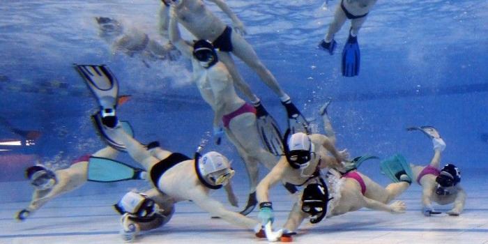 Les Jeux du cirque : Le hockey subaquatique